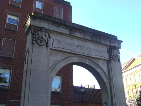 The memorial arch at Guy's Hospital