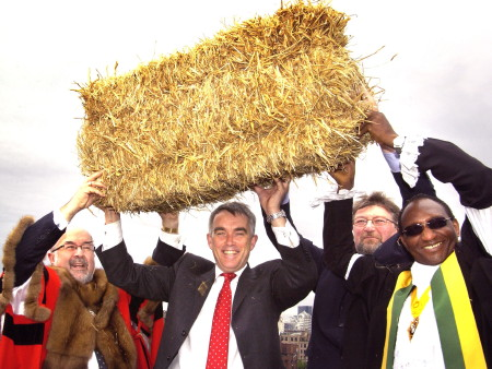 Bale of straw hung from Blackfriars Railway Bridge to mark start of major Thameslink work