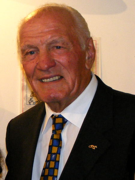 Sir Henry Cooper at the Thomas a Becket in 2006