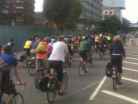Cyclists stage go-slow 'flashride' on Blackfriars Bridge
