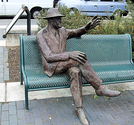 Alfred Salter statue: council seeks new location in SE16 or SE1
