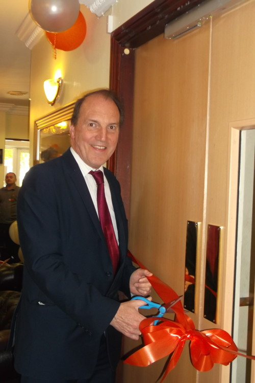 Simon Hughes opens new dementia unit at Tower Bridge Care Home