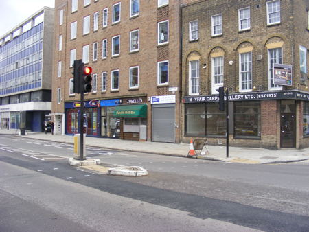 Borough High Street: campaign calls for more pedestrian crossings