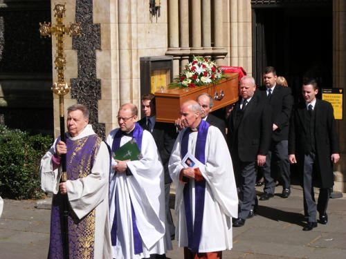 Hundreds gather at Southwark Cathedral for Ted Bowman's funeral