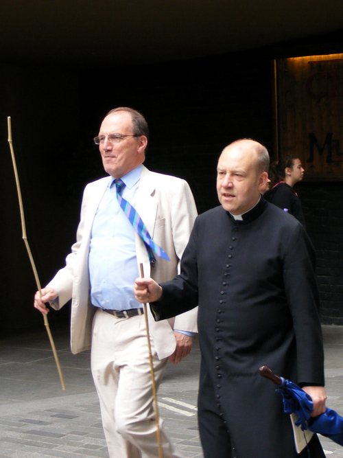 Beating the bounds of Southwark Cathedral's parish