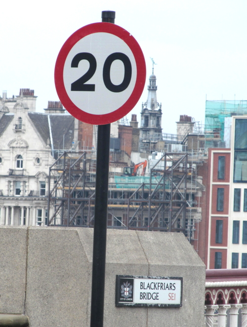 20 mph limit introduced on two and a half Thames bridges