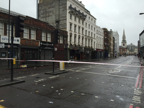 9 in hospital after fight in Borough High Street