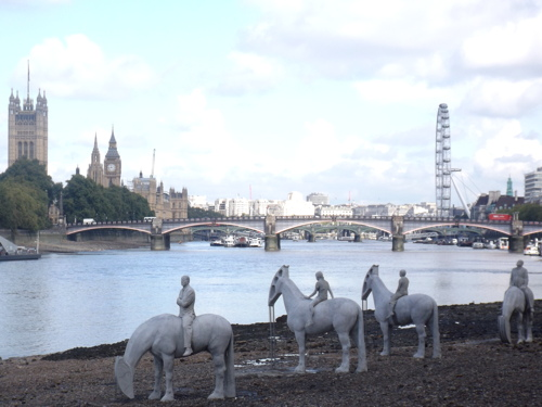 Sculptures installed on river foreshore for Totally Thames month