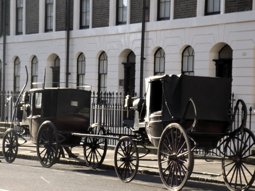 Horse-drawn carriages in Trinity Church Square
