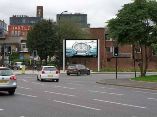 Bricklayers Arms billboard a 'significant road safety risk' - TfL