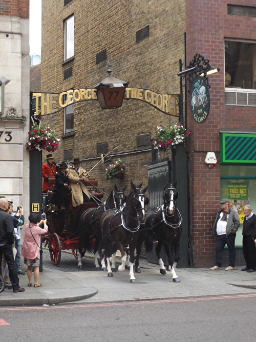 Horse-drawn mail coach at George Inn to celebrate Royal Mail 500