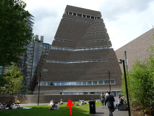 Tate Modern to fit balustrade to deter visitors from scaling wall