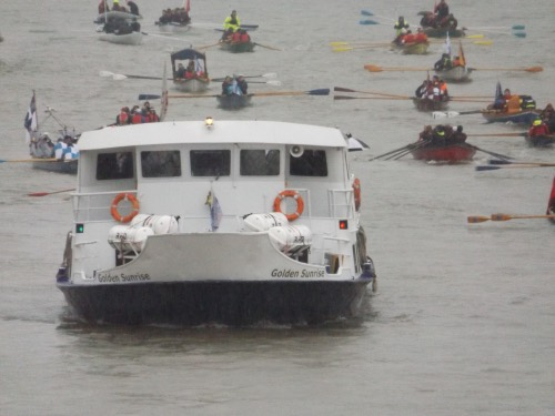 Wet welcome for Lord Mayor on river