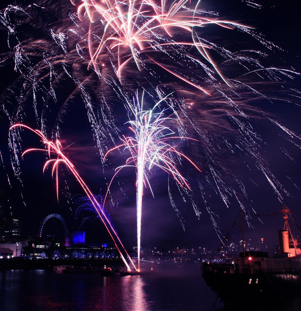 City cancels Thames fireworks over terrorism and crowd fears