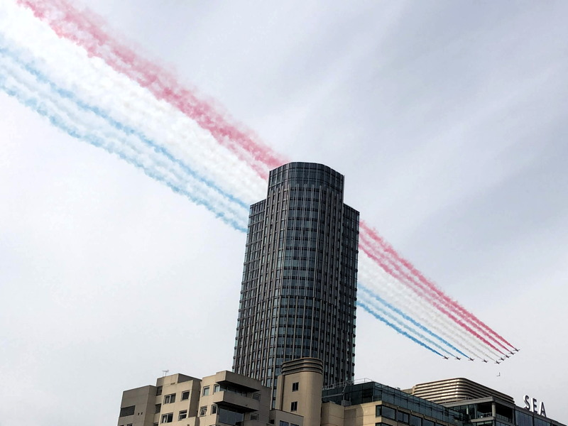 VE Day: Red Arrows fly over Bankside & South Bank